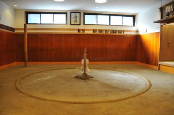 相撲部屋.jpg